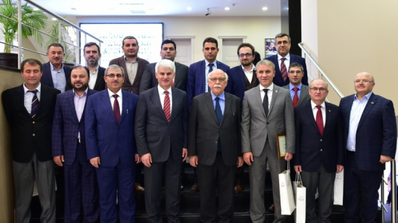 Minister Avcı receives charity lover businessmen from Bursa